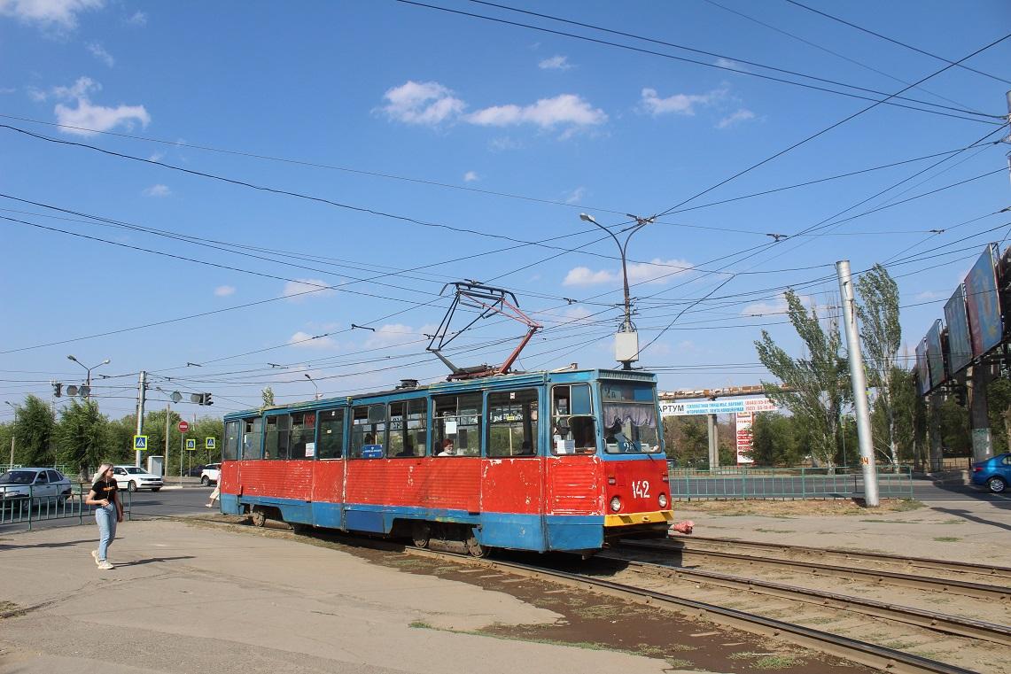 Волжский. 71-605 (КТМ-5) №142