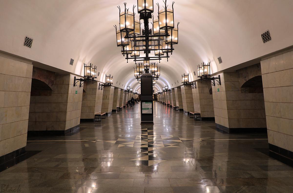 Екатеринбург. Станция метро Уральская