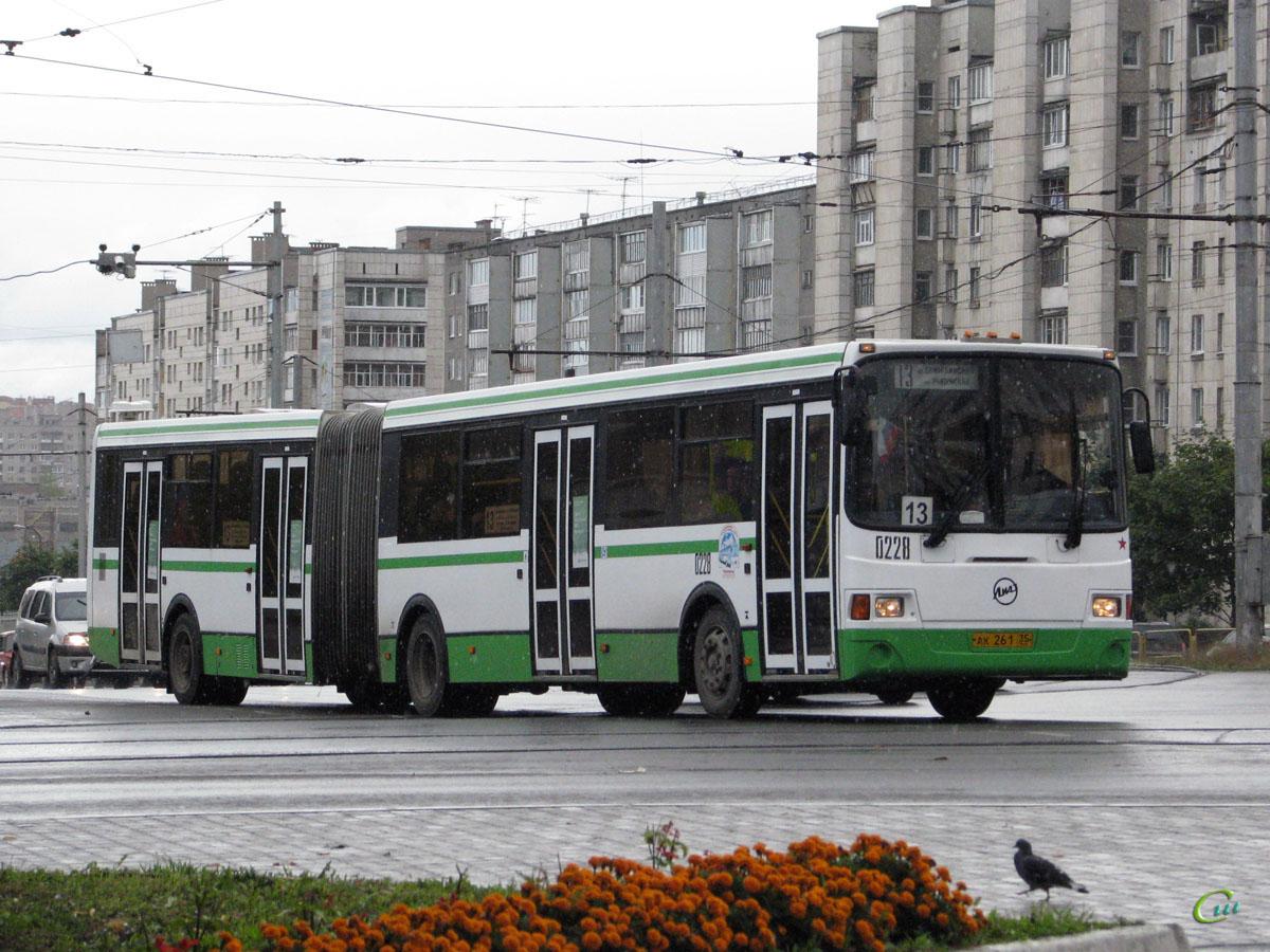 Череповец. ЛиАЗ-6212.00 ак261