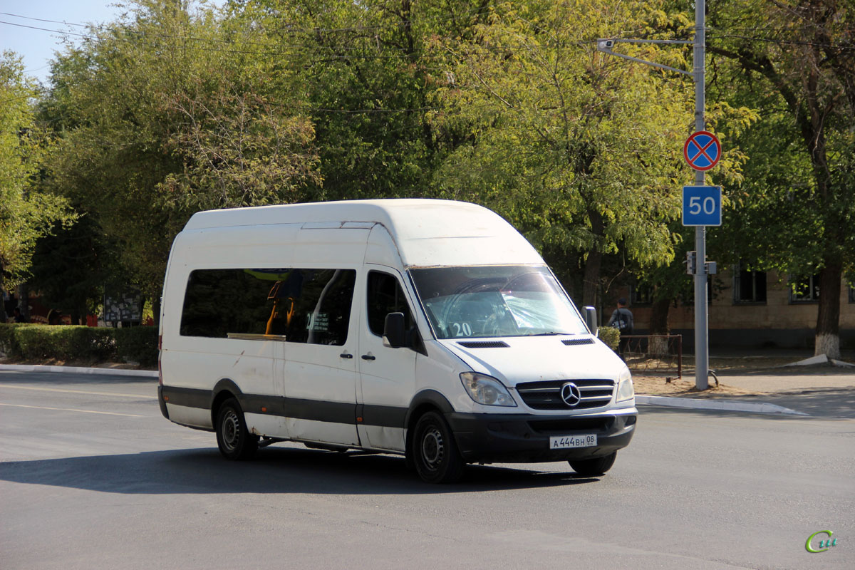 Элиста. Mercedes-Benz Sprinter а444вн
