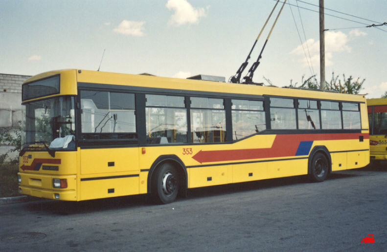 Каунас. Jelcz/PNTKM M121E №353
