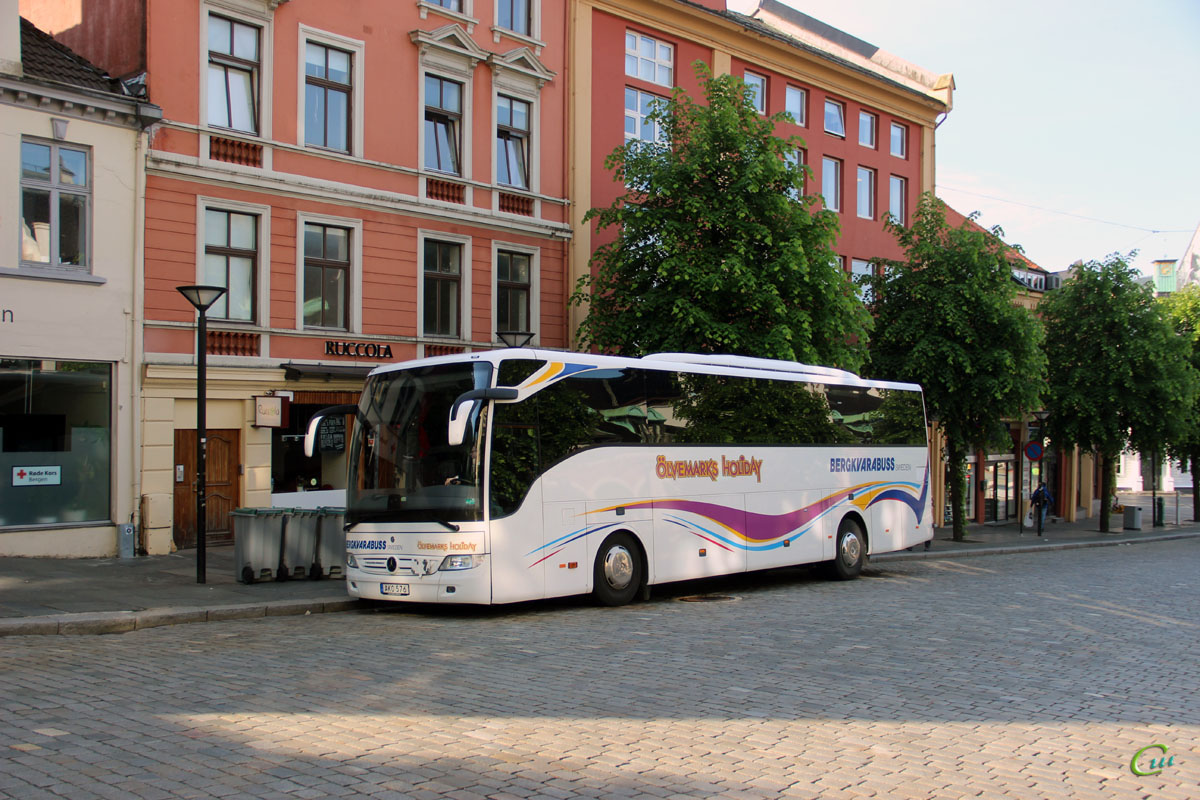 Берген. Mercedes-Benz Tourismo AKO 576