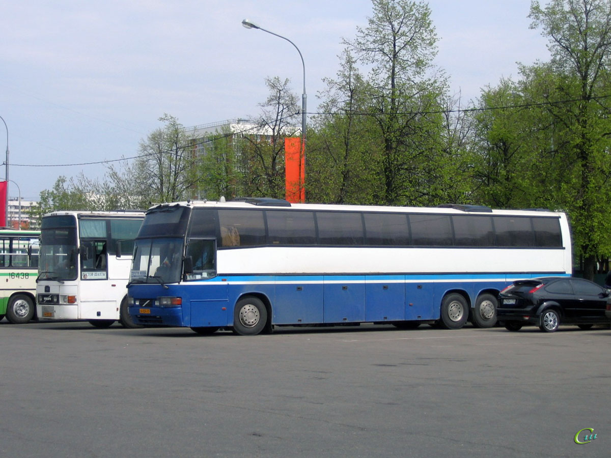 Москва. Carrus Superstar см824, Van Hool T8 Alizée ам053