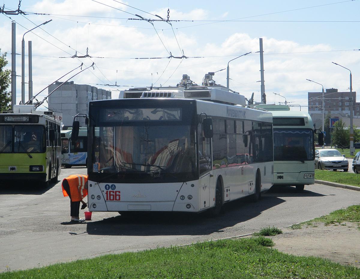 Бобруйск. МАЗ-ЭТОН Т203 №166