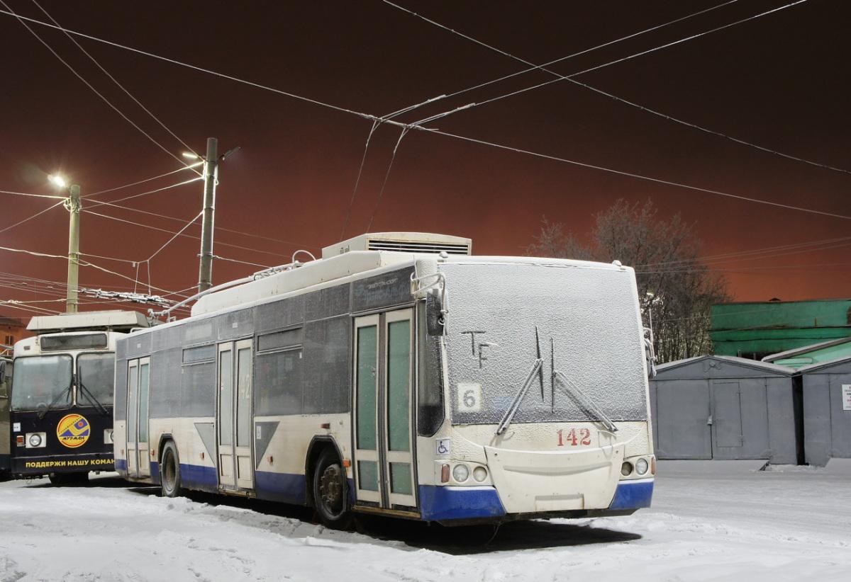 Мурманск. ВМЗ-5298.01 Авангард №142
