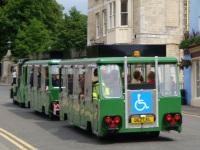 Лондон. Экскурсионный автопоезд (062 LEL), перевозящий туристов по Виндзору