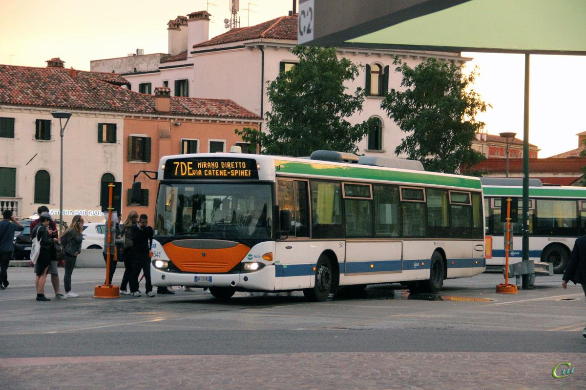 Венеция. Scania OmniCity CN94UB CR 151RS
