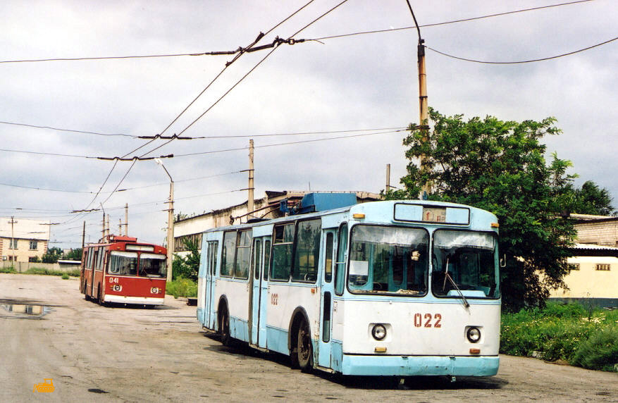 Торецк. ЗиУ-682В №022, ЗиУ-682В00 №041