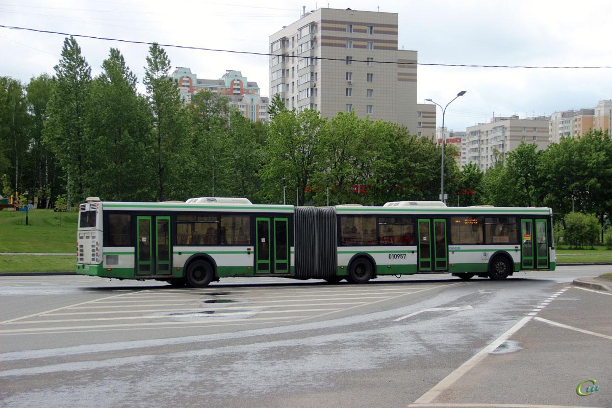 Москва. ЛиАЗ-6213.21 о612см