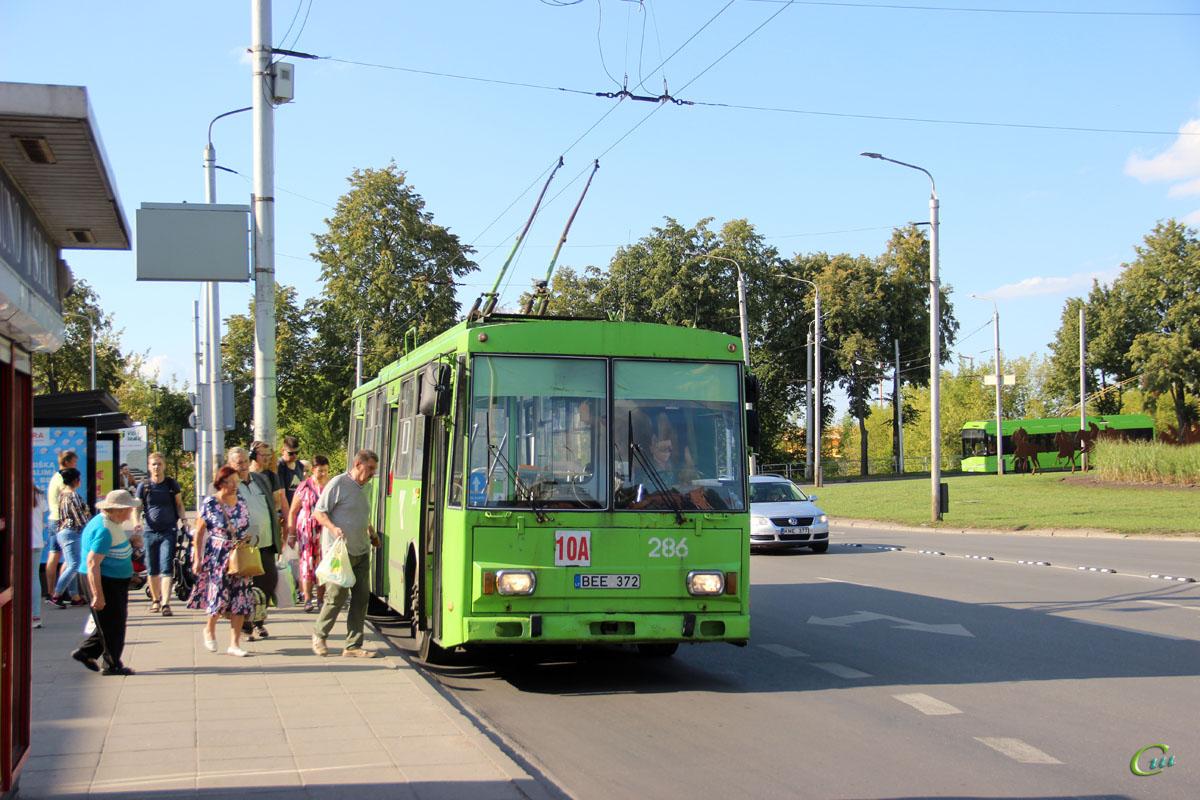 Каунас. Škoda 14Tr02/6 №286
