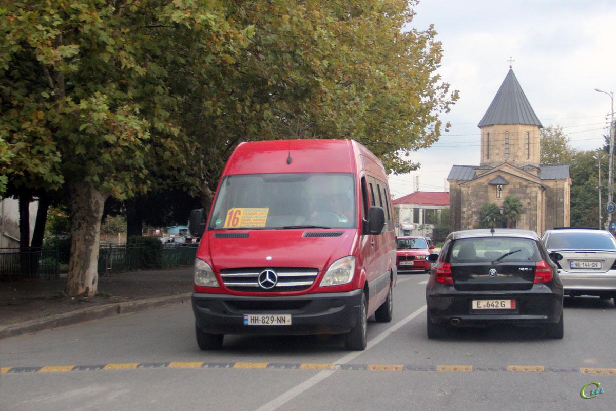 Кутаиси. Mercedes-Benz Sprinter HH-829-NN