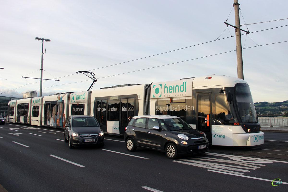Линц. Bombardier Cityrunner №029