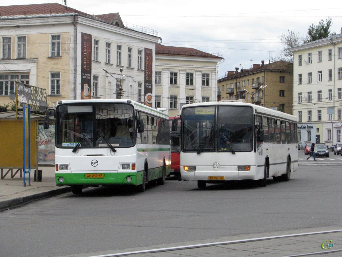 Смоленск. Mercedes-Benz O345 ае225, ЛиАЗ-5256.36 ае219