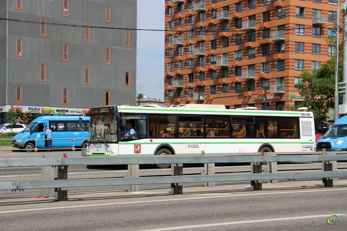 Москва. ЛиАЗ-5292.22 с645ух, Луидор-2232 (Mercedes-Benz Sprinter) ха527