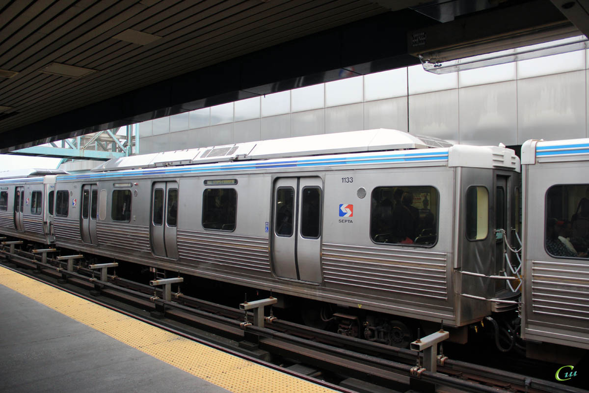 Филадельфия. Adtranz SEPTA M-4 № 1133