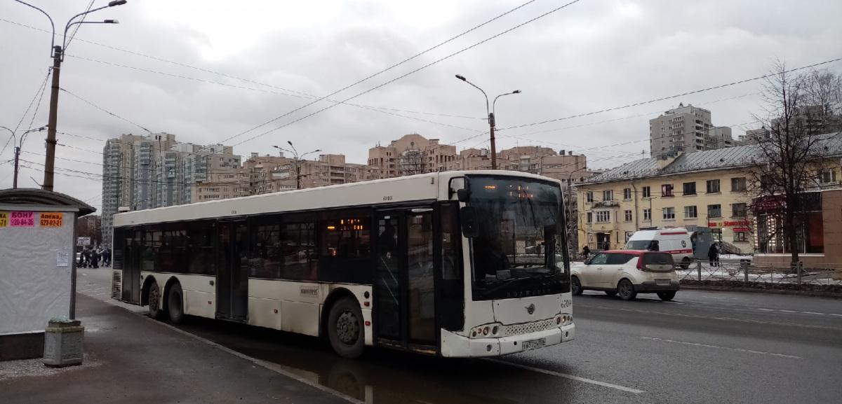 Санкт-Петербург. Волжанин-6270.06 СитиРитм-15 х637су
