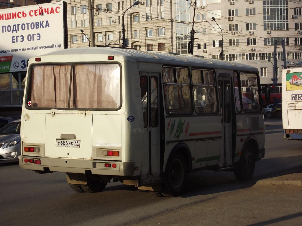 Омск. ПАЗ-32054-07 у686ек