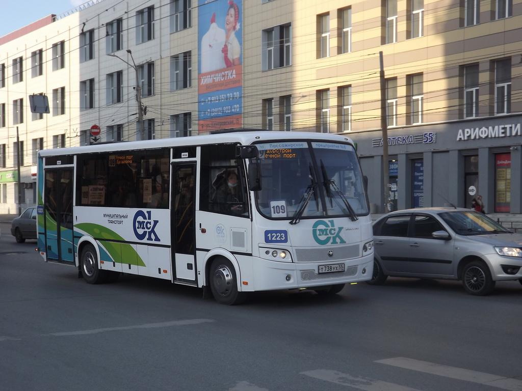 Омск. ПАЗ-320414-04 Вектор т738ух