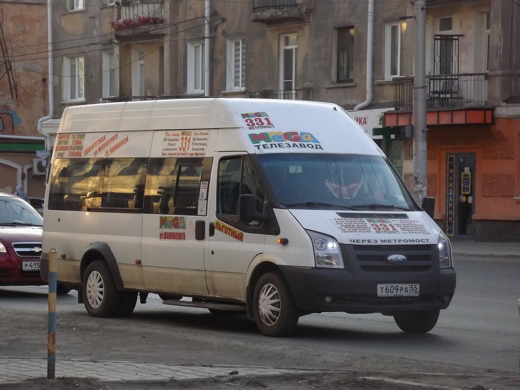 Омск. Нижегородец-2227 (Ford Transit) т609ра