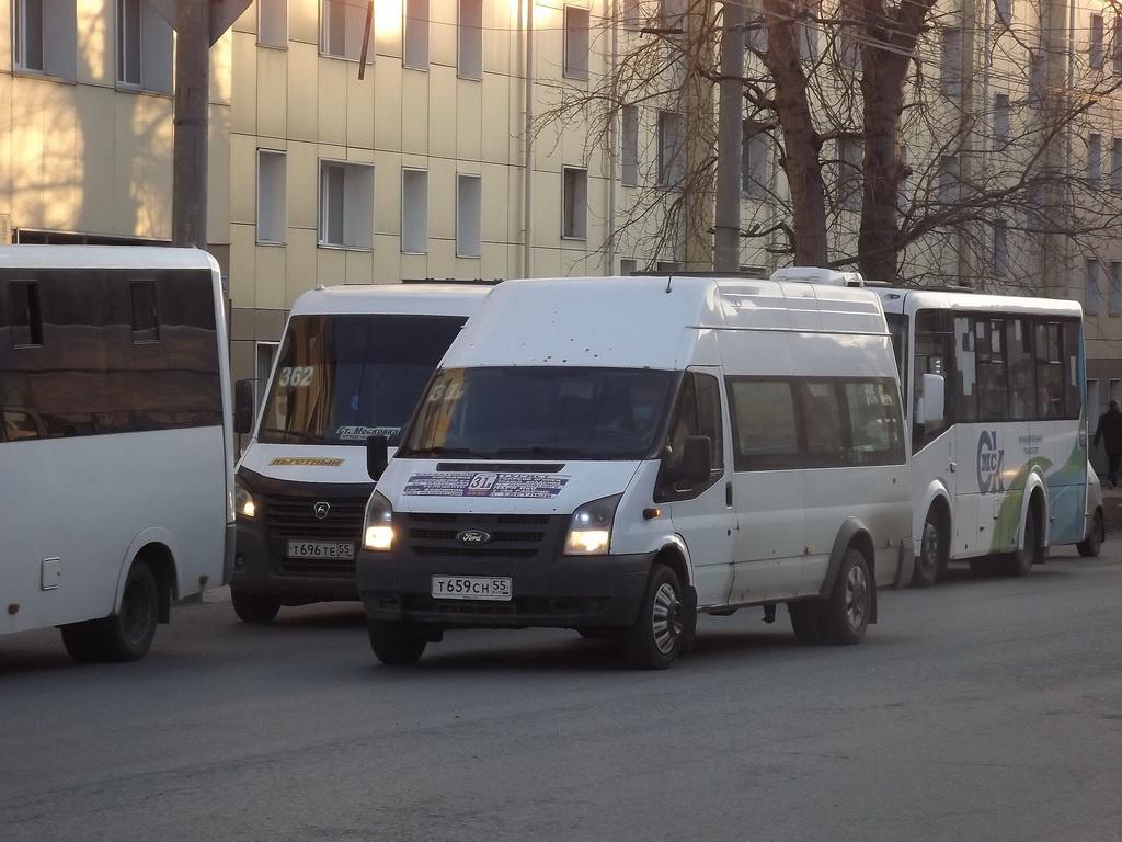 Омск. Нижегородец-2227 (Ford Transit) т659сн