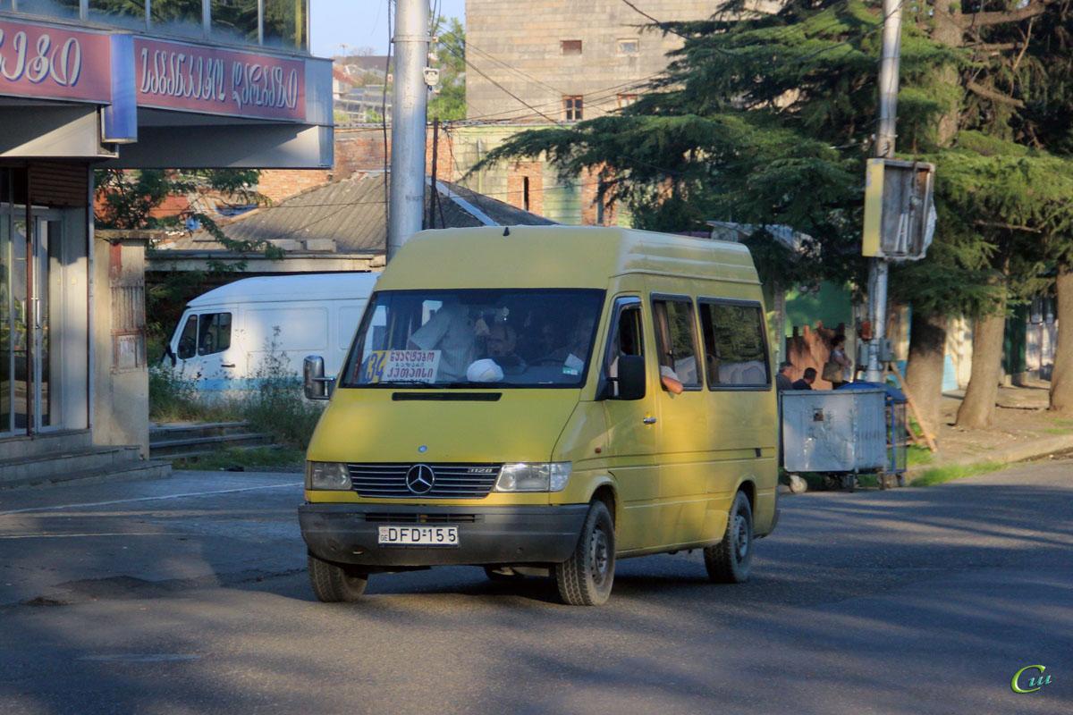 Кутаиси. Mercedes-Benz Sprinter 312D DFD-155