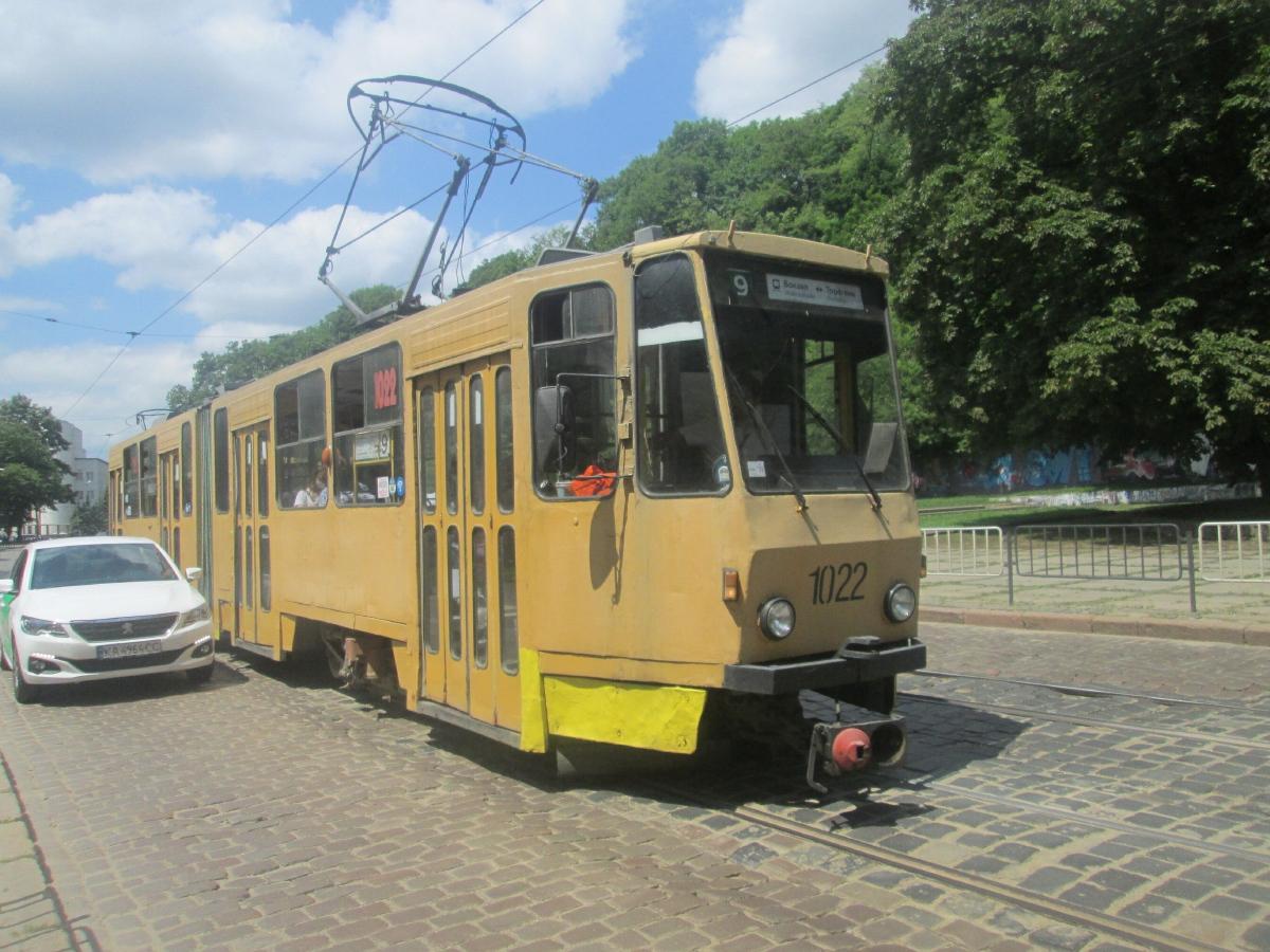 Львов. Tatra KT4SU №1022