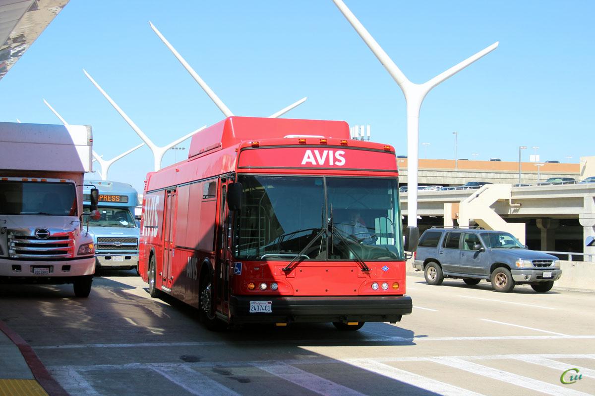 Лос-Анджелес. ElDorado National Axess CNG 24374C1