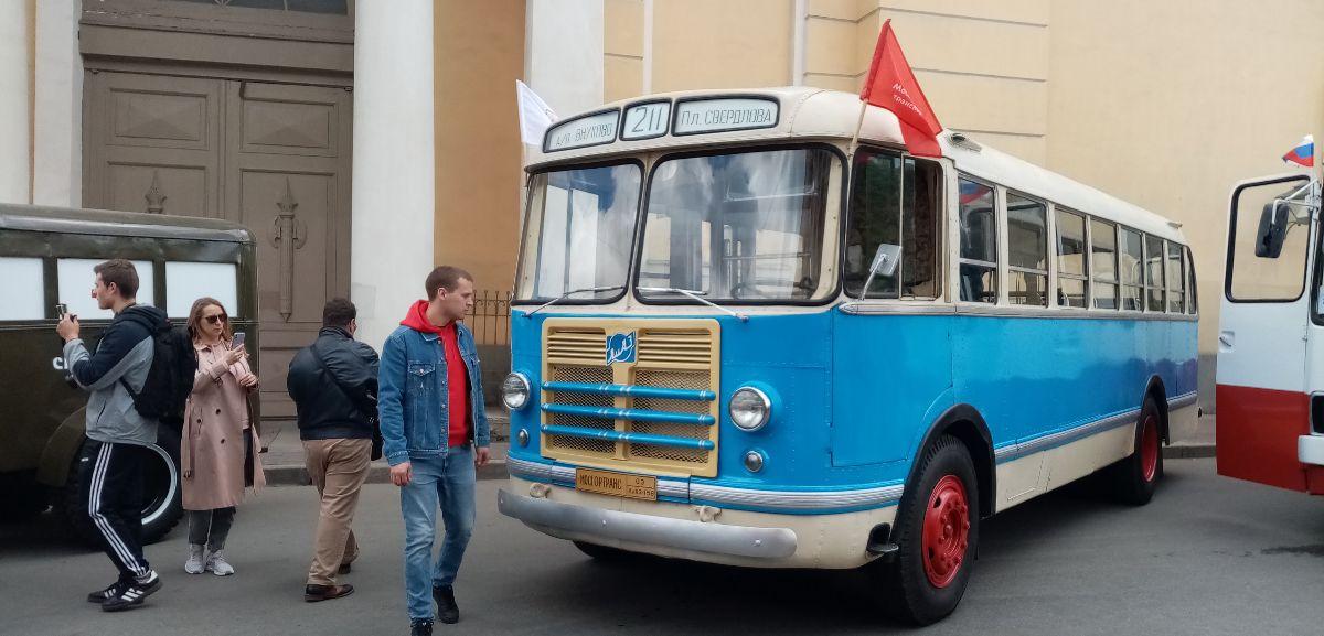 Санкт-Петербург. ЗиЛ-158В №03
