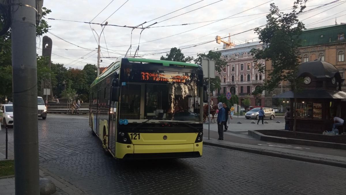 Львов. Electron T19102 №121