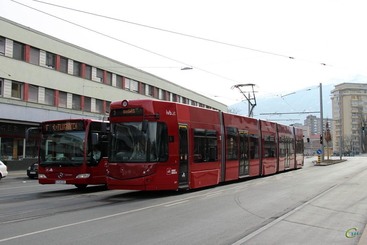 Инсбрук. Bombardier Flexity Outlook №311, Mercedes-Benz O530 Citaro G I 416 IVB