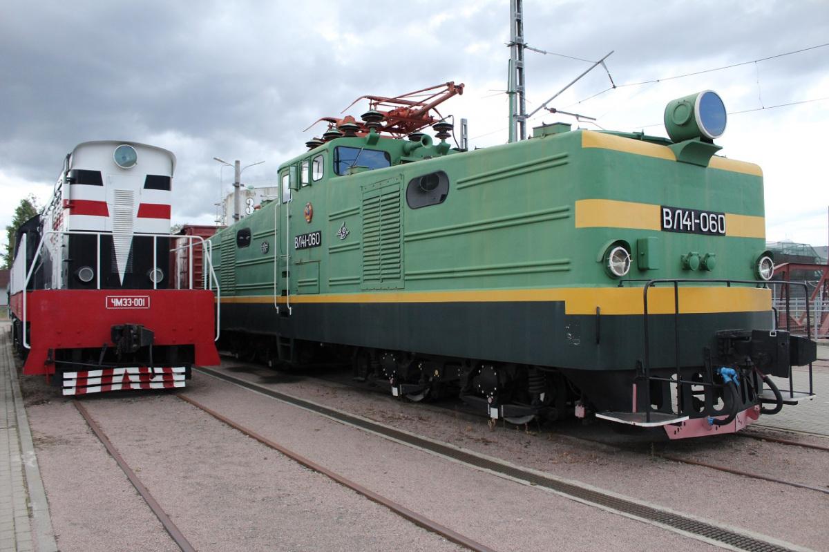 Санкт-Петербург. ВЛ41-060, ЧМЭ3-001
