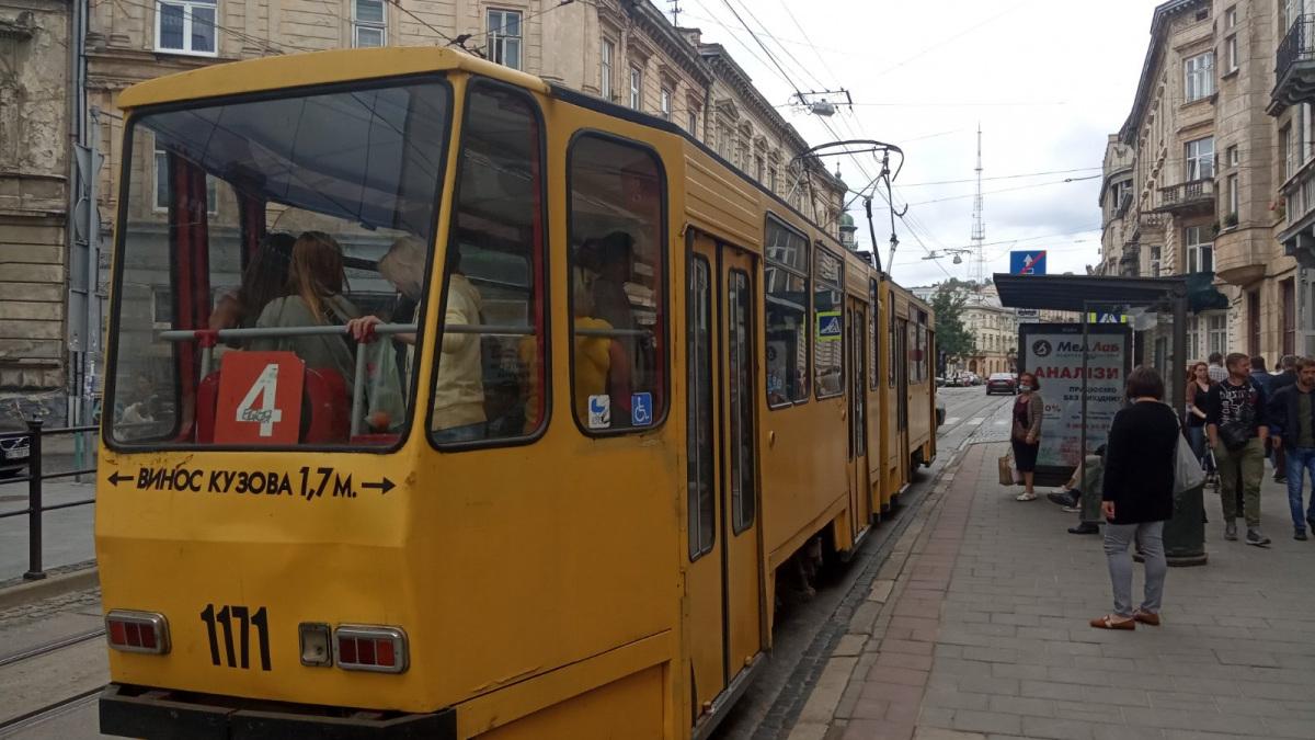 Львов. Tatra KT4D №1171