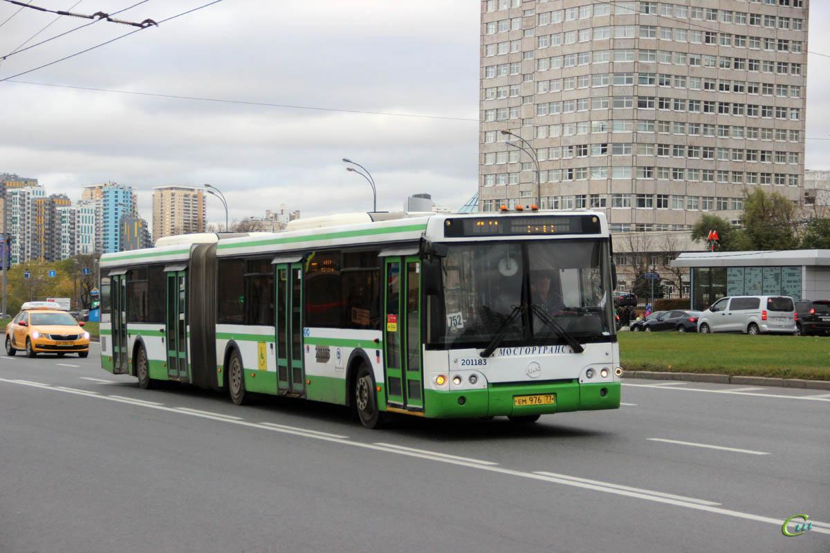 Москва. ЛиАЗ-6213.21 ем976