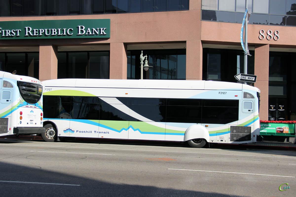 Лос-Анджелес. NABI 42-BRT CNG 1388391