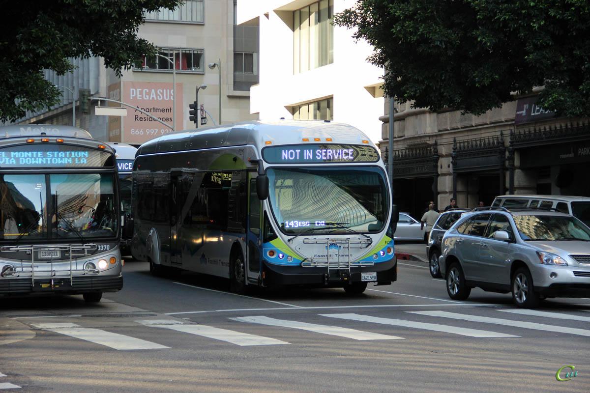 Лос-Анджелес. NABI 42-BRT CNG 1421590
