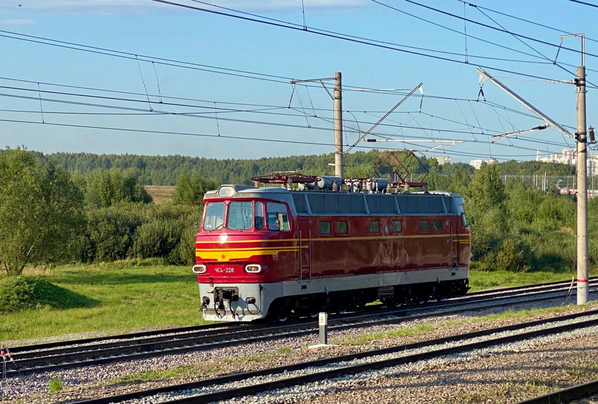 Москва. ЧС4-226