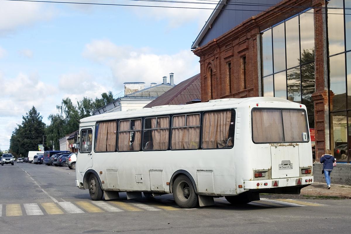 Трубчевск. ПАЗ-4234 м144ур