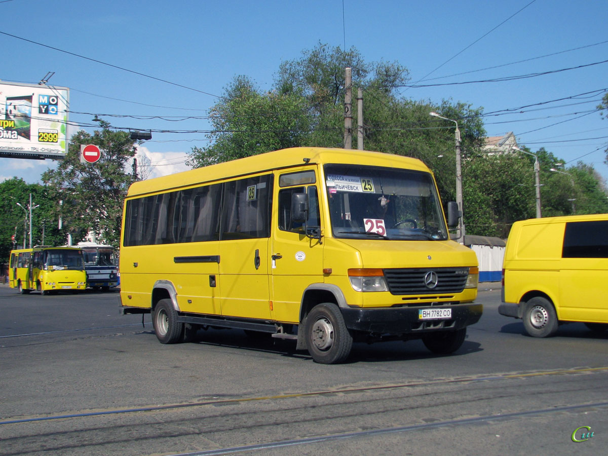 Одесса. Mercedes-Benz Vario 612D BH7782CO