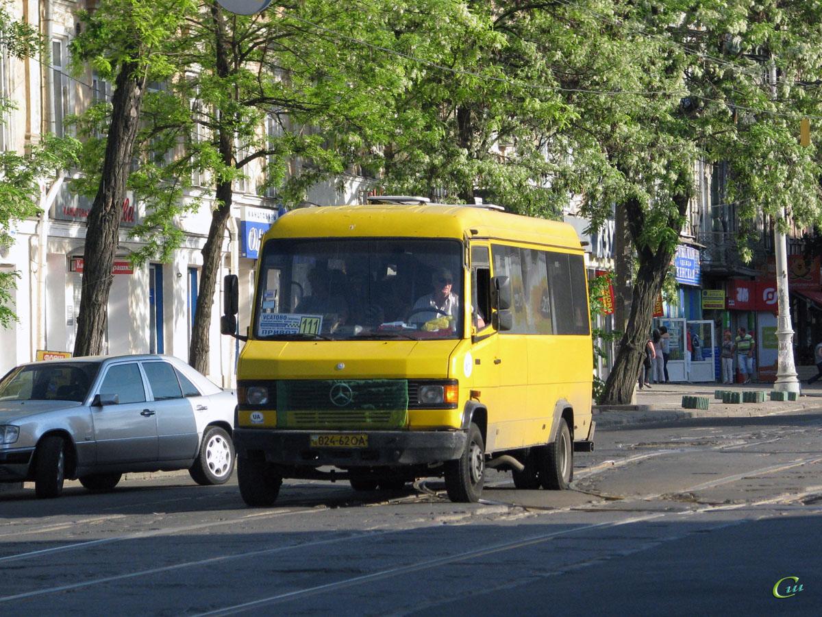 Одесса. Mercedes-Benz T2 711D 024-62OA