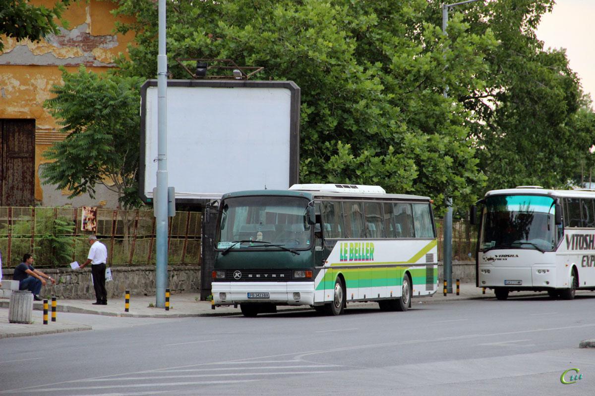Пловдив. Setra S215HR PB 3423 BX