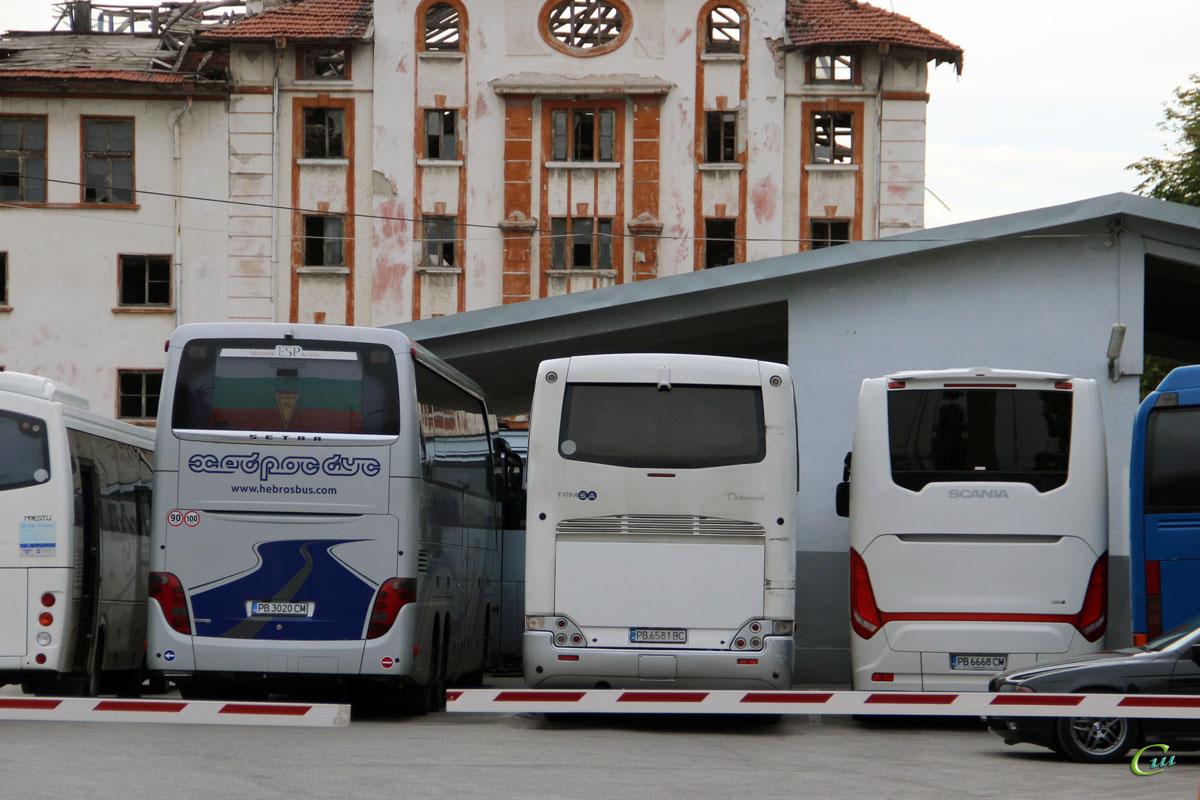 Пловдив. Setra S416HDH PB 3020 CM, Temsa Diamond PB 6581 BC, Scania Touring HD (Higer A80T) PB 6668 CM