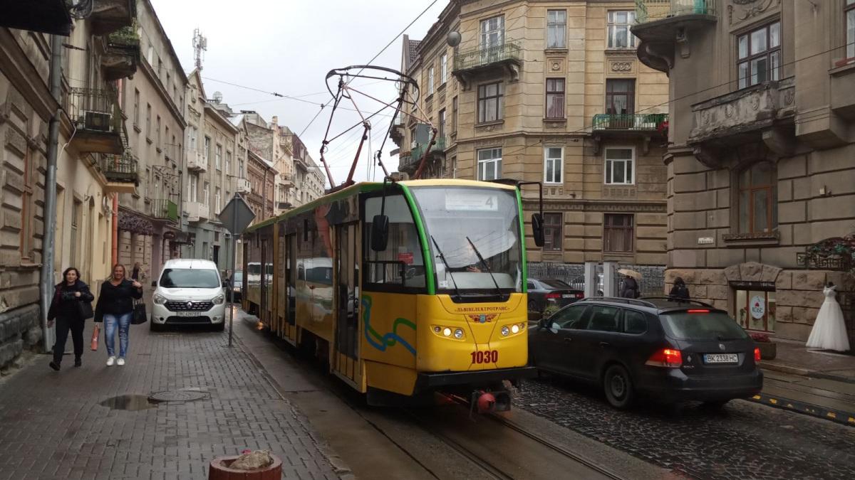 Львов. Tatra KT4SU №1030