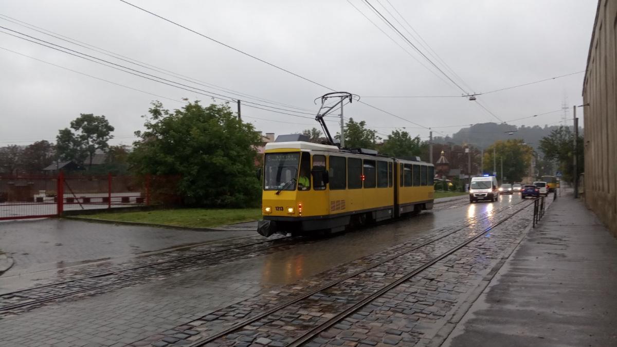 Львов. Tatra KT4DM №1213
