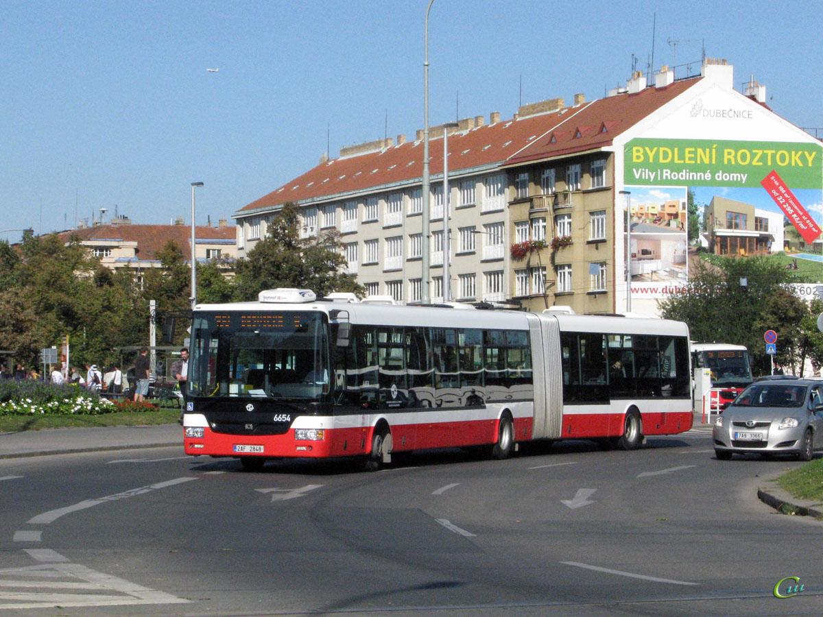 Прага. SOR NB 18 2AF 2848