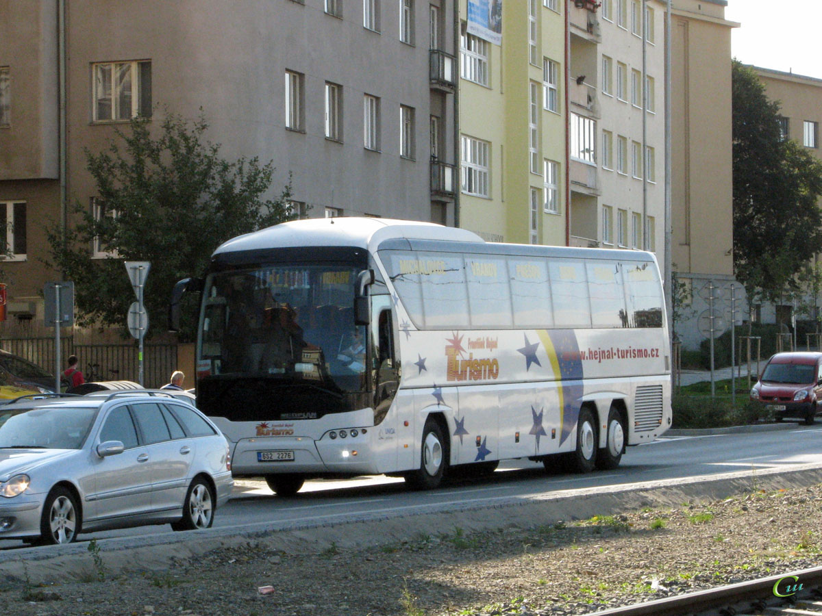Прага. Neoplan N2216/3SHDL Tourliner 6S2 2276