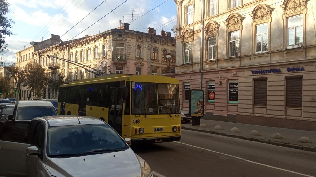 Львов. Škoda 14Tr02/6 №518