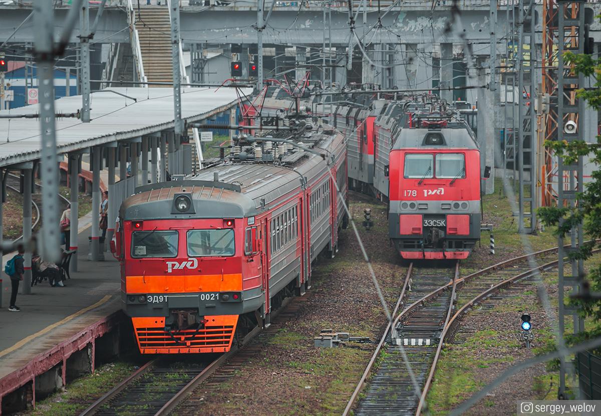 Владивосток. 3ЭС5К-178 Ермак, ЭД9Т-0021