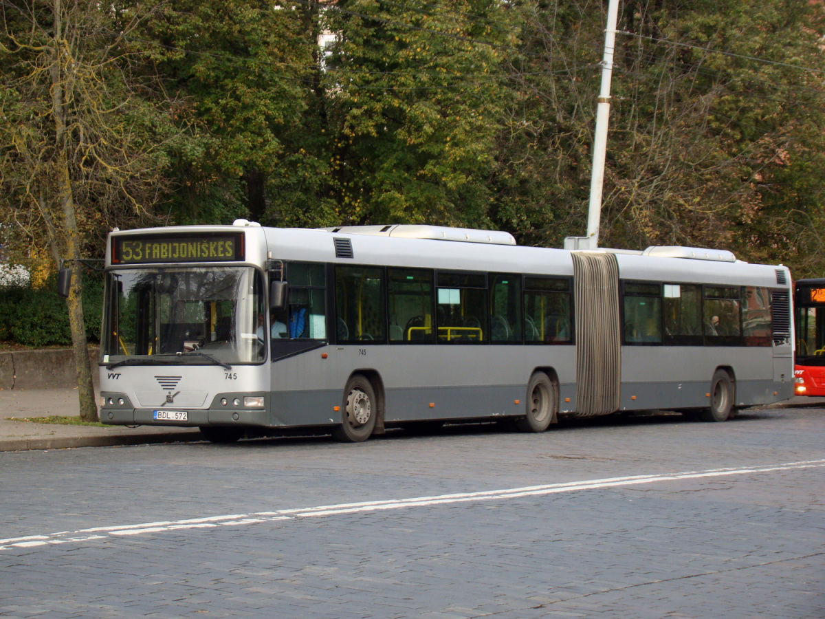 Вильнюс. Volvo 7700A BDL 572