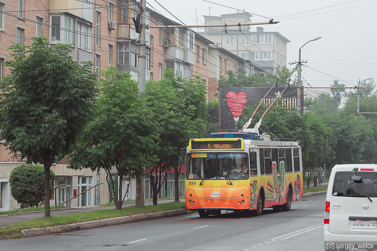 Владивосток. ЗиУ-682Г-016.02 (ЗиУ-682Г0М) №253