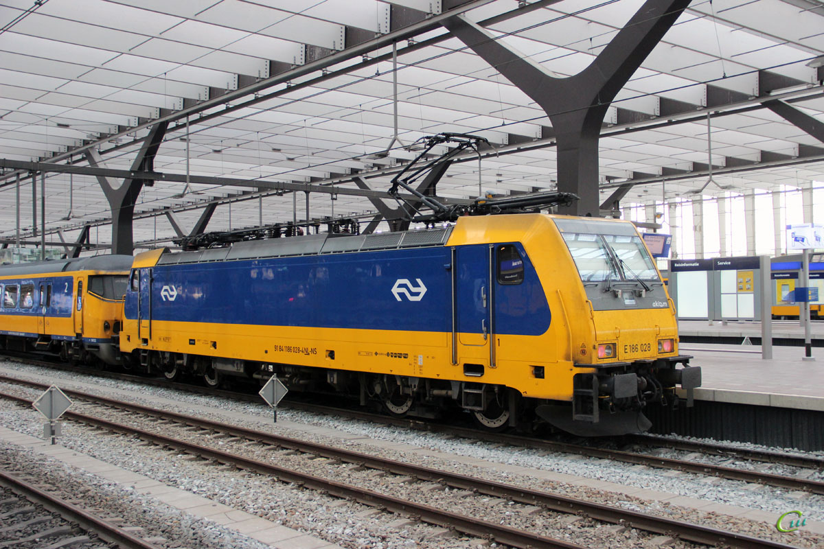 Роттердам. Bombardier Traxx F140 MS2 № 186 028, ICR № 16122